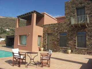 Bright 5 bedroom Villa in Andros Town with Internet Access - Andros Town vacation rentals