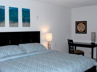 By Gvaldi - The Grand DoubleTree Miami 2/2 - Coconut Grove vacation rentals