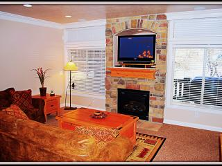 Top Value! Snowbasin/Pineview/New/Luxuries/Hot Tub - Huntsville vacation rentals