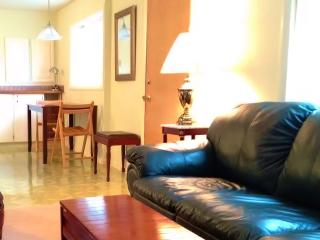 So.o.o Spacious -- 5 Minutes to the beach ! - Seattle vacation rentals