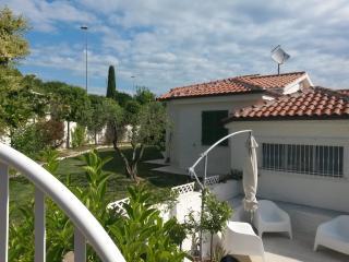 Villa nuova con giardino e vista mare - Sirolo vacation rentals