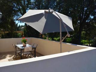villa neuve prés du pont du gard - Vers-Pont-du-Gard vacation rentals