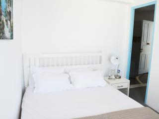 TerraRock quatrable - Tourlos vacation rentals
