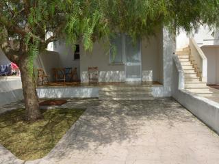 APPARTAMENTO A 350 MT DALLE SPIAGGE - Porto Cesareo vacation rentals
