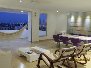 Confortable Apartment 330 mts Centro, Matuna CTG - Cartagena vacation rentals