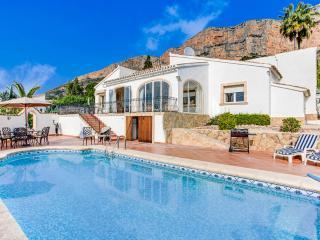 Luxury 2 bedroomed villa in Javea,  wifi & AC - Javea vacation rentals