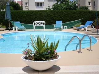 Homely, light & sunny 3 bedroom apartment - Oroklini vacation rentals