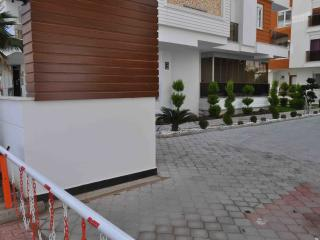 Convenient Condo with A/C and Elevator Access - Antalya vacation rentals