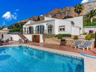 Villa Bulino in Javea - with air con, wifi & pool - Javea vacation rentals