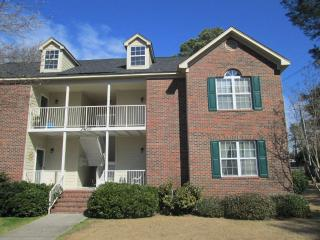 Private Neighborhood Condo - 2nd Floor, 2 bedrooms - Fayetteville vacation rentals