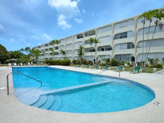 Perfect Condo with A/C and Shared Outdoor Pool - Holetown vacation rentals