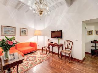 Elegant 1 Bedroom Apartment near the Pantheon - Rome vacation rentals