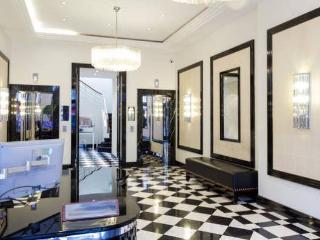 Stunning 2 bed flat in Marylebone with terrace - London vacation rentals