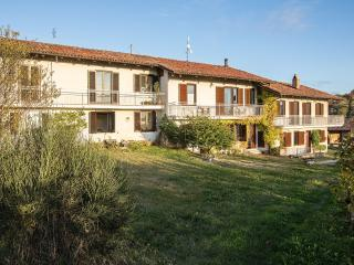 Luxury Stone Farmhouse:  Langhe-Italy, wine  area - Trezzo Tinella vacation rentals