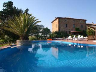 Nice Finca with Internet Access and Shared Outdoor Pool - Rosignano Marittimo vacation rentals