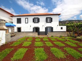 Comfortable Villa with Internet Access and Washing Machine - Estreito da Calheta vacation rentals