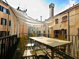 Ai Mori - central elegant apartment with terrace - Venezia vacation rentals