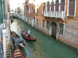 Centrally located apartment with Canal View - Venezia vacation rentals