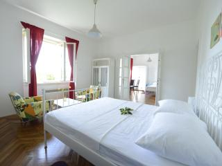 Lemonhouse apartment with charming garden - Dubrovnik vacation rentals