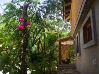 Casa Dunia - casita jardin - Playa Maderas vacation rentals