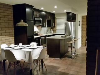Urban Chic North Scottsdale Modern - Phoenix vacation rentals