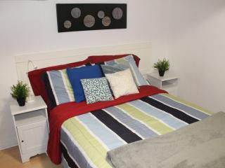 Comfortable Condo with Internet Access and A/C - Ottawa vacation rentals