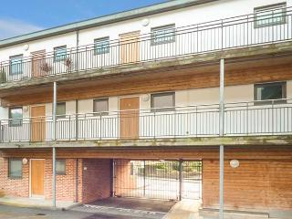 4 CHINA COURT, close to coast, off road parking, en-suite, St. Austell, Ref 15265 - Saint Austell vacation rentals