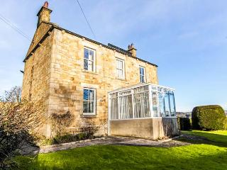 DENEBURN HOUSE detached, open fires, garden, countryside views in Hexham Ref 931434 - Hexham vacation rentals