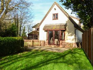COFFERS, WiFi, walking opportunities, bike storage, Garboldisham, Ref 931582 - Garboldisham vacation rentals
