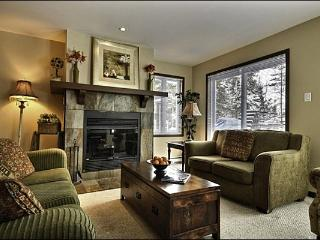 Balcony with Summer BBQ for those Warm Evenings - Cozy Wood Burning Fireplace (6006) - Mont Tremblant vacation rentals