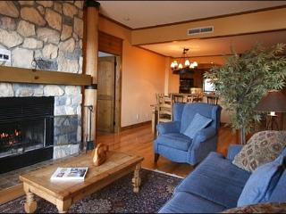 Incredible Lake and Mountain Views - Cozy Furnishings and Decor (6067) - Mont Tremblant vacation rentals