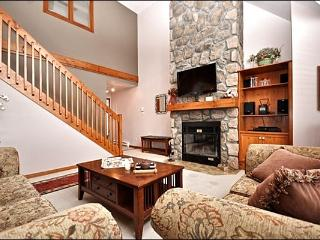 Private Balcony with Summer BBQ - Common Area Summer Hot Tub and Swimming Pool (6113) - Mont Tremblant vacation rentals