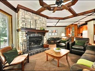 Common Area Pool and Hot Tub Available in the Summer Months - Modern Furnishings and Decor (6121) - Mont Tremblant vacation rentals