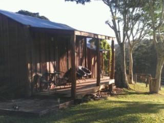 1 bedroom Cabin with Internet Access in Mount Burrell - Mount Burrell vacation rentals