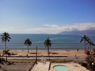 Apartamento  02 dorm - Pé na areia - Vista pro Mar - Caraguatatuba vacation rentals