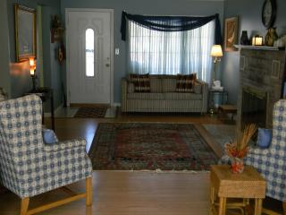 Cozy Cottage, Special rates through March 5, 2016 - Indianapolis vacation rentals