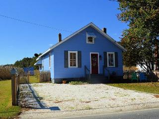 Comfortable 2 bedroom House in Chincoteague Island with Television - Chincoteague Island vacation rentals