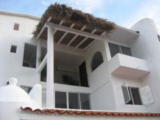 Beautiful 'la Vivienda' Villa - 4 Bedroom House - Huatulco vacation rentals
