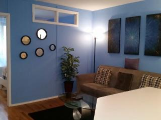 Cozy 2BR/1BA Elevator BLDG Great Location Sleep 6 - New York City vacation rentals