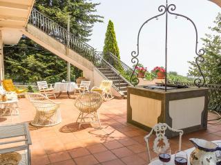 VILLA LE VIGNOBLE - Charming Maison - Mascali vacation rentals