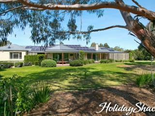 Yaringa Luxury Escape - Mount Martha Retreat - Mount Martha vacation rentals
