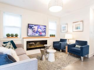 Blue Oak Coach House - Certificate of Excellence - Vancouver vacation rentals