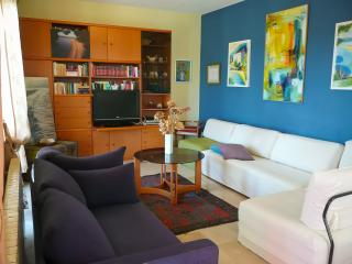 Seaview house, 4 bedrooms, 3 baths, stunning view! - Bol vacation rentals