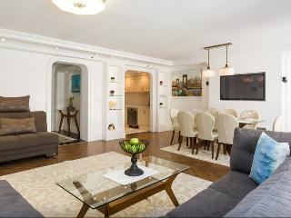 Penthouse 3Bedrooms/2Bath, Balcony Sleep 8 - New York City vacation rentals