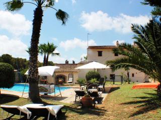 Wunderschöne Finca mit Pool, Pferden in Olivenhain - Castellet i la Gornal vacation rentals
