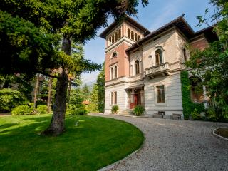 Beautiful 8 bedroom Vacation Rental in Mandello del Lario - Mandello del Lario vacation rentals