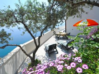 Charming Condo with Internet Access and Washing Machine - Vettica di Amalfi vacation rentals