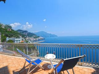 Bright 11 bedroom Villa in Pogerola with Internet Access - Pogerola vacation rentals