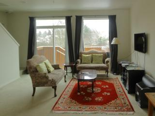 Townhouse at the Heart of Silicon Forest - Hillsboro vacation rentals