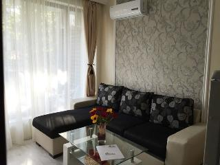 Cozy Primorsko Studio rental with Game Room - Primorsko vacation rentals